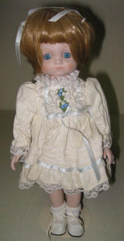 COLLECTIBLE BRADLEYS DOLLS BARB PORCELAIN DOLL